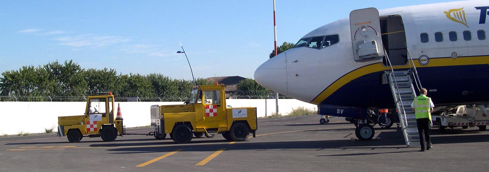 ata-tow-tractors-modena-trattori-aeroportuali1